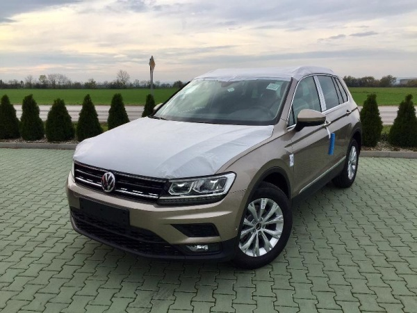 vw tiguan 1 4 tsi act bmt dsg comfortline na predaj araver pie any araver a s. Black Bedroom Furniture Sets. Home Design Ideas
