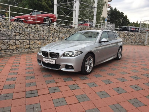 BMW 530d xDrive Touring 3.0