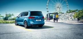 Volkswagen Touran trojštvrťový pohľad zozadu