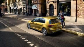 Volkswagen Golf trojštvrťový pohľad zozadu