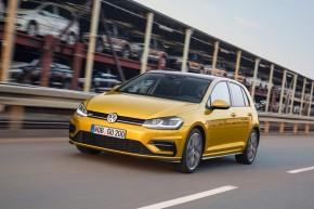 Volkswagen Golf  trojštvrťový pohľad spredu vľavo