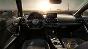Audi Q2  interiér prístrojová doska