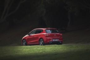 SEAT Ibiza- trojštvrťový pohľad zo zadu -vľavo2