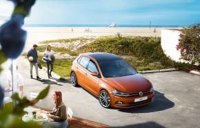 Volkswagen Polo trojštvrťový pohľad spredu zhora