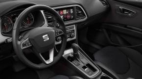 SEAT Leon ST-interiér- prístrojová doska- detail volant