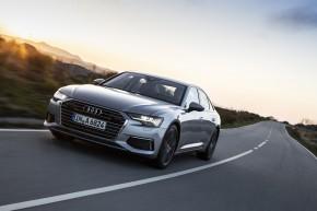 Audi A6 trojštvrťový pohľad spredu vľavo v pohybe