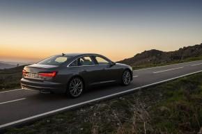 Audi A6 trojštvrťový pohľad zuzadu vpravo