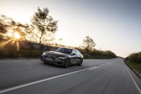 Audi A6 trojštvrťový pohľad spredu vľavo v pohybe 2