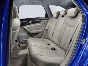 Audi A6 interiér- detail zadné sedačky biela