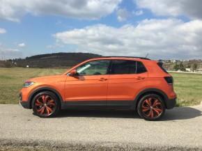 Novinka Volkswagen T-Cross pohľad zboku
