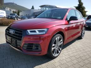 Audi Q5 trojštvrťový pohľad spredu vľavo 2