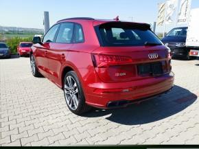 Audi Q5 trojštvrťový pohľad zozadu, vľavo