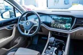 Volkswagen Touareg detail prístrojová  doska 2