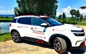 CITROËN C5 Aircross- trojštvťový pohľad zboku biela farba