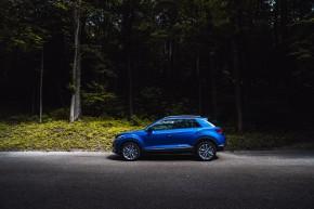 Volkswagen T-Roc pohľad zboku, modrá farba