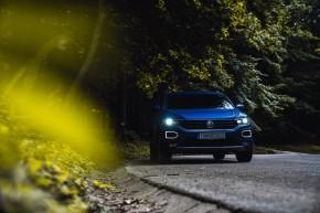 Volkswagen T-Roc pohľad spredu detail, modrá farba