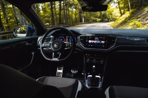 Volkswagen T-Roc interiér prístrojová doska, modrá farba