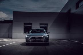 Audi Gebrauchtwagen: Plus A8 pohľad spredu, šedá farba