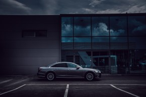 Audi Gebrauchtwagen: Plus A8 pohľad zboku, šedá farba