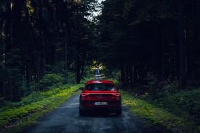 Nový SEAT Leon, pohľad zozadu, červená farba