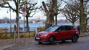 SEAT Arona- trojštvrťový pohľad spredu-vľavo-červená