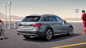 Audi A4 Allroad- trojštvrťový pohľad zozadu- sivá farba