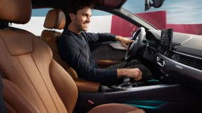 Audi A4 Allroad- interiér detail predné sedačky- sivá farba