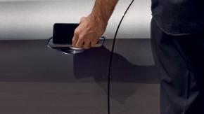 Audi A4 Allroad-otváranie mobilom- sivá farba