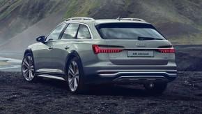 Audi A6 Allroad- trojštvrťový pohľad zozadu- zelená farba