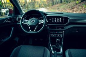 Volkswagen T-Cross- interiér, detail prístrojová doska- oranžová farba