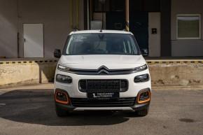 Citroën Berlingo  pohľad spredu- biela farba