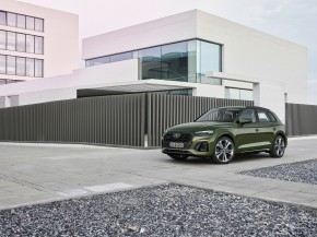 Audi Q5- trojštvrťový pohľad spredu- zelená farba