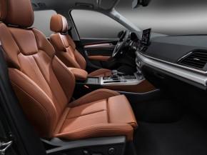 Audi Q5- interiér- prístojová doska+ predné sedadlá