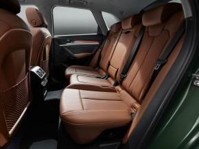 Audi Q5- interiér-  zadné sedadlá