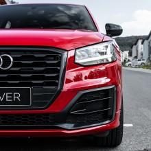 Audi Q2 červená farba predná maska