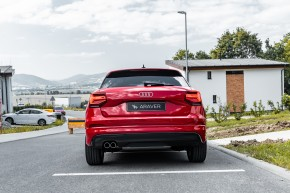 Audi Q2 červená farba