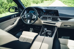 BMW X7 interiér