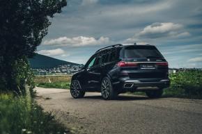 BMW X7 čierna