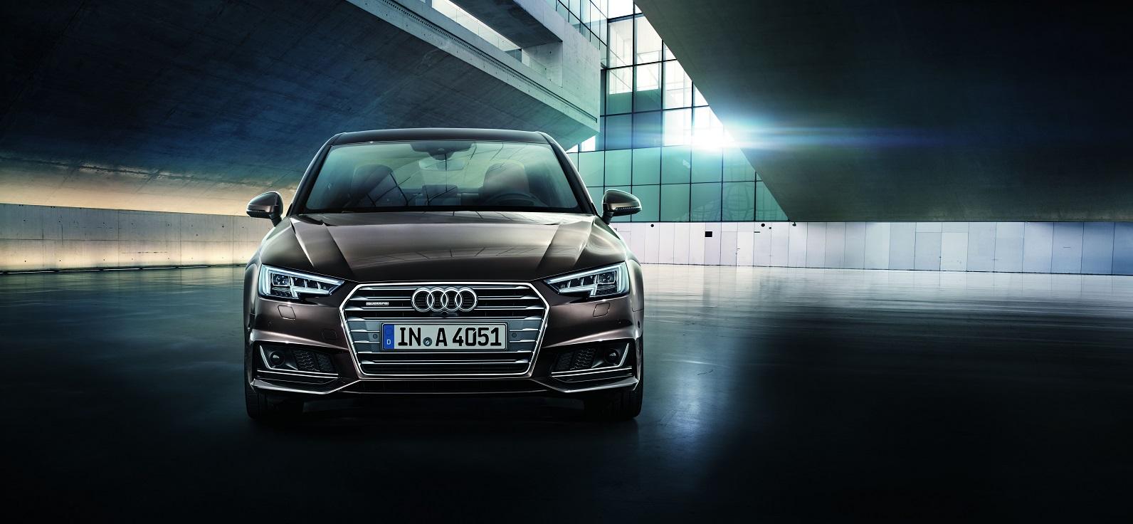 Audi A4 v noci